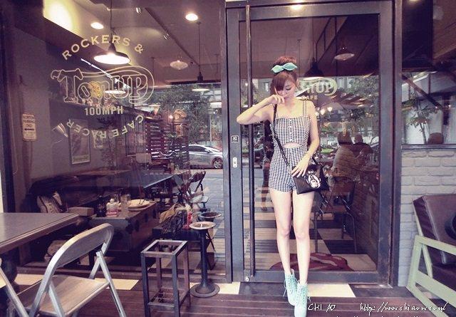 5 Ton Up Cafe+2