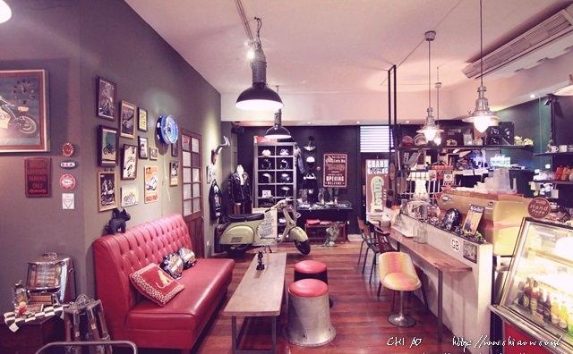 5 Ton Up Cafe+4